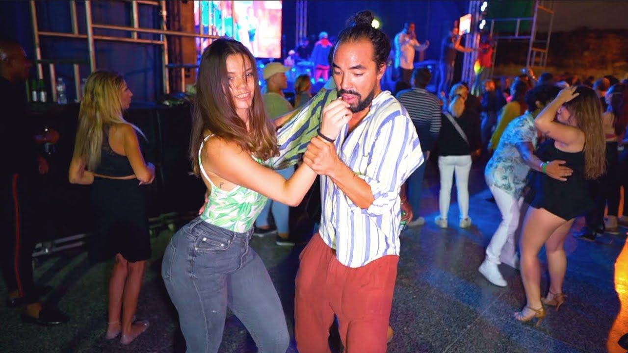 Bailando Salsa en la Tropical   Baila en Cuba 2019