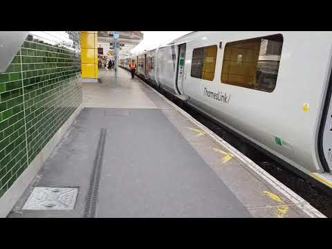 24/09/2017 East Croydon railway station, Siemens Class 700 Desiro City, Thameslink