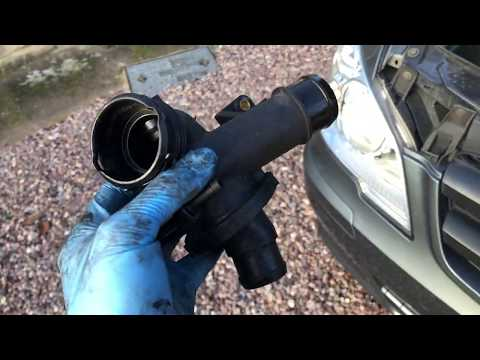 How to replace a thermostat on Mercedes Vito