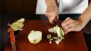 Instant Expert! How to Cut an Onion Thumbnail