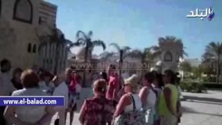 بالفيديو.. مسجد 'المصطفى' بشرم الشيخ قبلة العاملين بالسياحة
