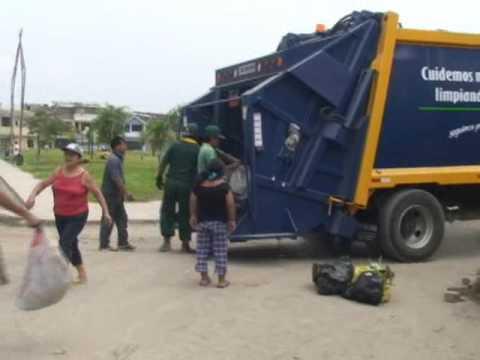 Jaime Zea adquiere Compactadoras y cisternas para limpieza pública
