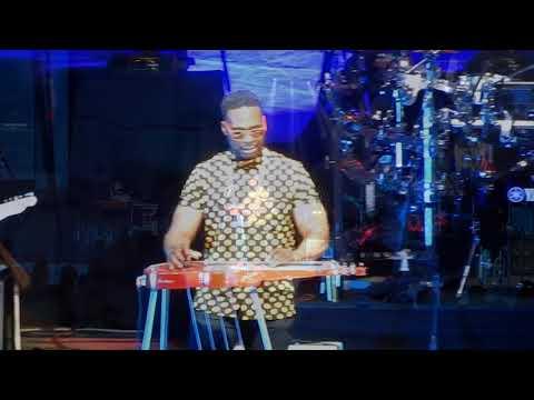 Dave Matthews Band w/ Robert Randolph -