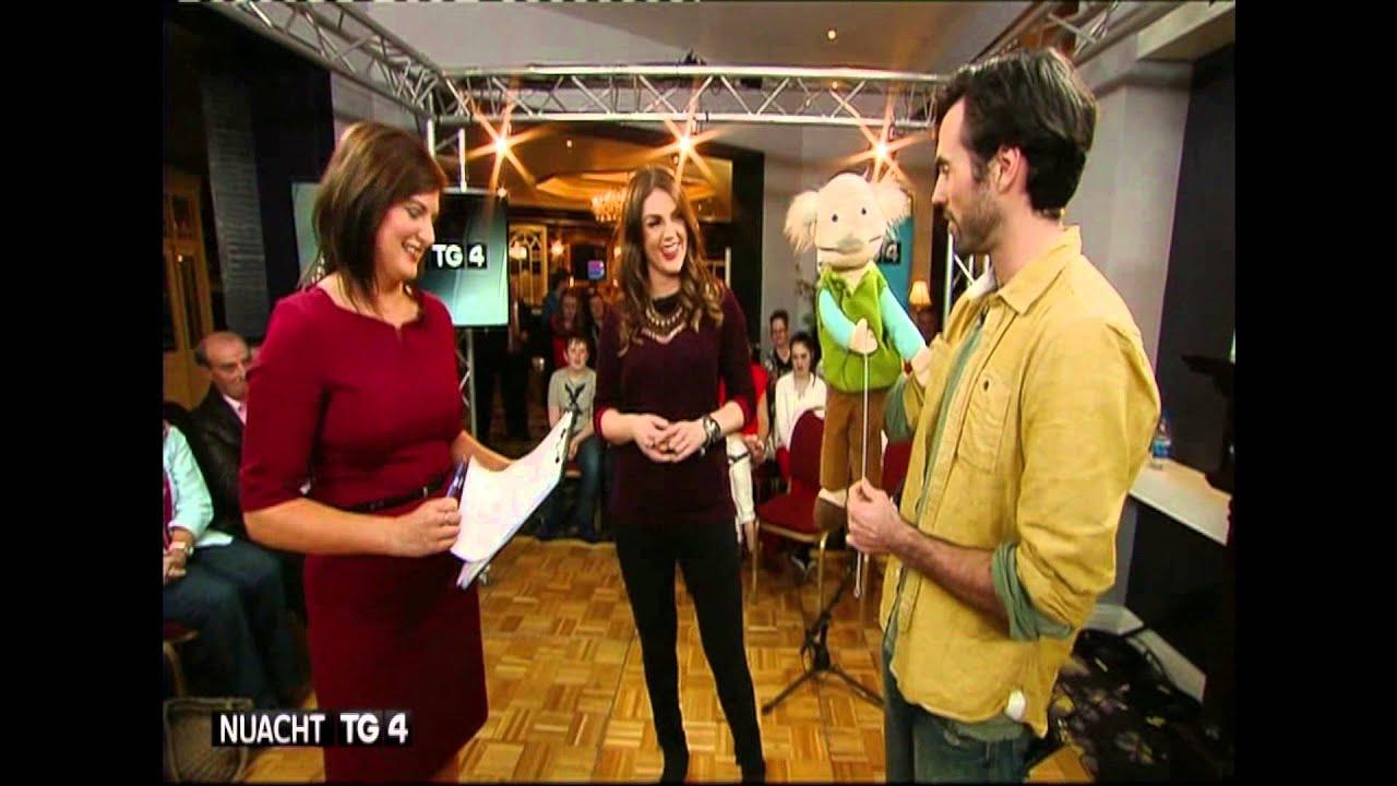 Póigíní do Eimear... Pajo kisses Eimear Ní Chonaola LIVE on air!