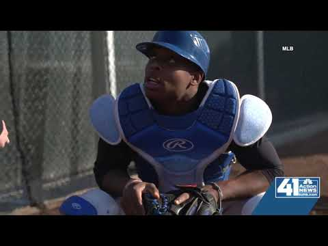 Blue Springs South catcher Allante Hall turns heads at MLB \