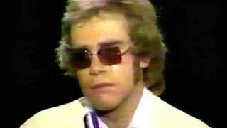 Скачать Elton John Madman Across The Water Live At The Royal Festival Hall 1972 HD