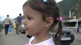 Дианка на Байкале!!!!! Катаемся на корабле едим омуль! Видео для детей