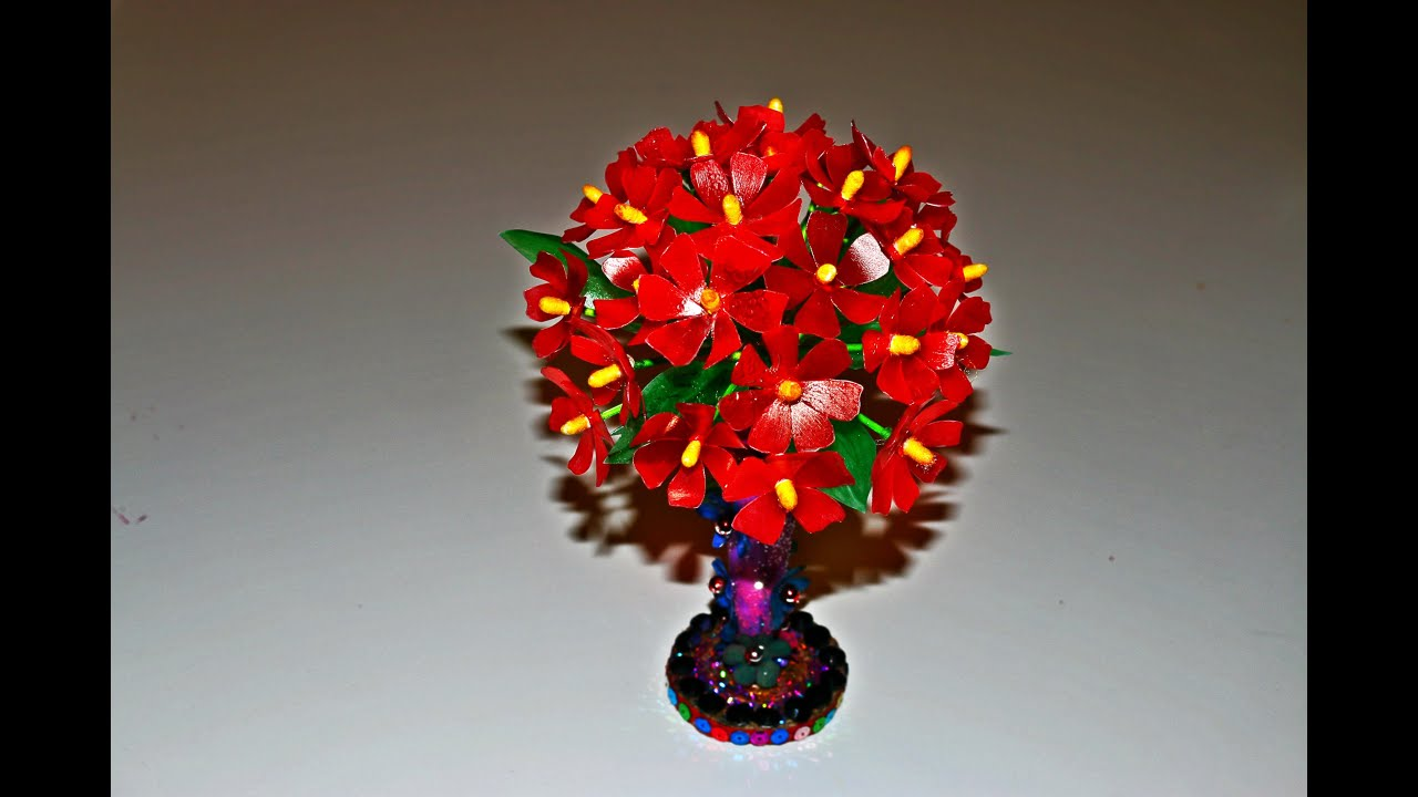 Recycled plastic craft diy floral centerpiece with for Craft plastic