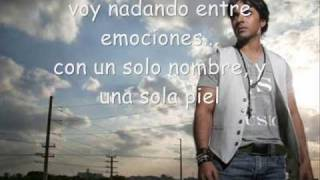 Watch music video: Luis Fonsi - Paso A Paso