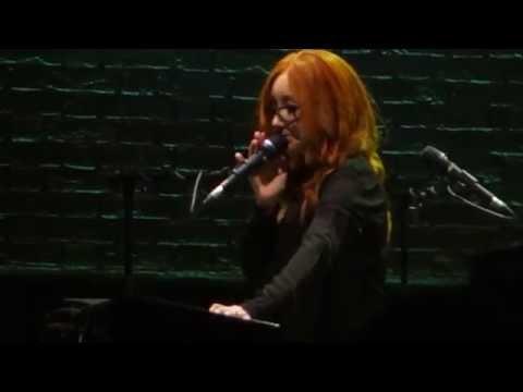 Tori Amos - Jessie's Girl / Ode to Mindi (Sydney, 20th November 2014)