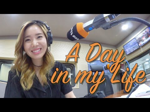 Seoul Cafes, Live Broadcasting, and Shopping for K-Beauty w/ Sunnydahye!