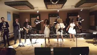 24k Magic Bruno Mars - by Flo Collective live!