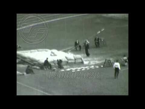 HELSINKI 1952 Pole Vault [Bob  Richards] Amateur Footage