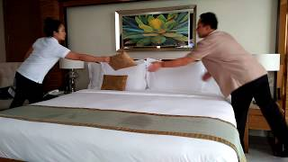Actual Housekeeping in a 4 Star Hotel - Step by Step Bed Making