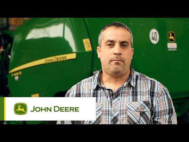 John Deere - Customer experience F441R Baler, Reichert, Germany