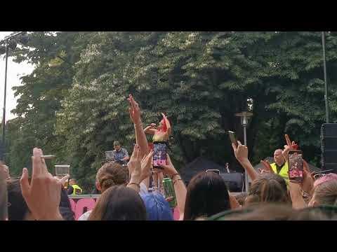 """Senidah """"Bez tebe"""" LIVE Zagreb Pride 3. 7. 2021."""
