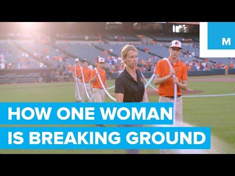 Meet Female MLB Head Groundskeeper Nicole Sherry   How She Works