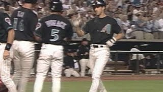 MON@ARI: Finley hits grand slam to right field