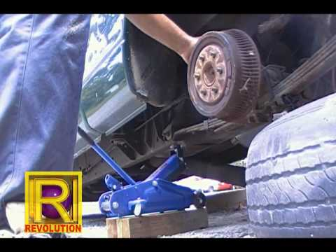 8/25/2011 - 1Latham Auto Repair - Rear Axle Removal - 2000 Dodge Dakota - YouTube