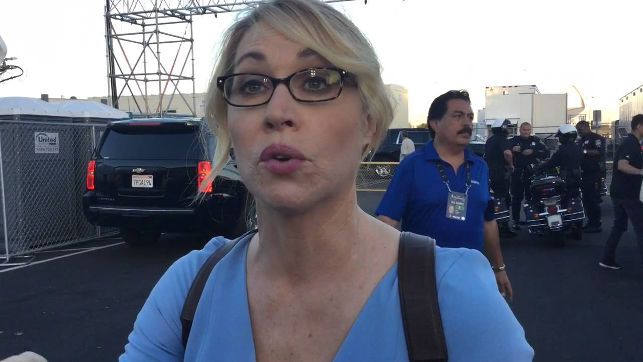 Doris Burke just after game 7 2016 NBA finals - YouTube