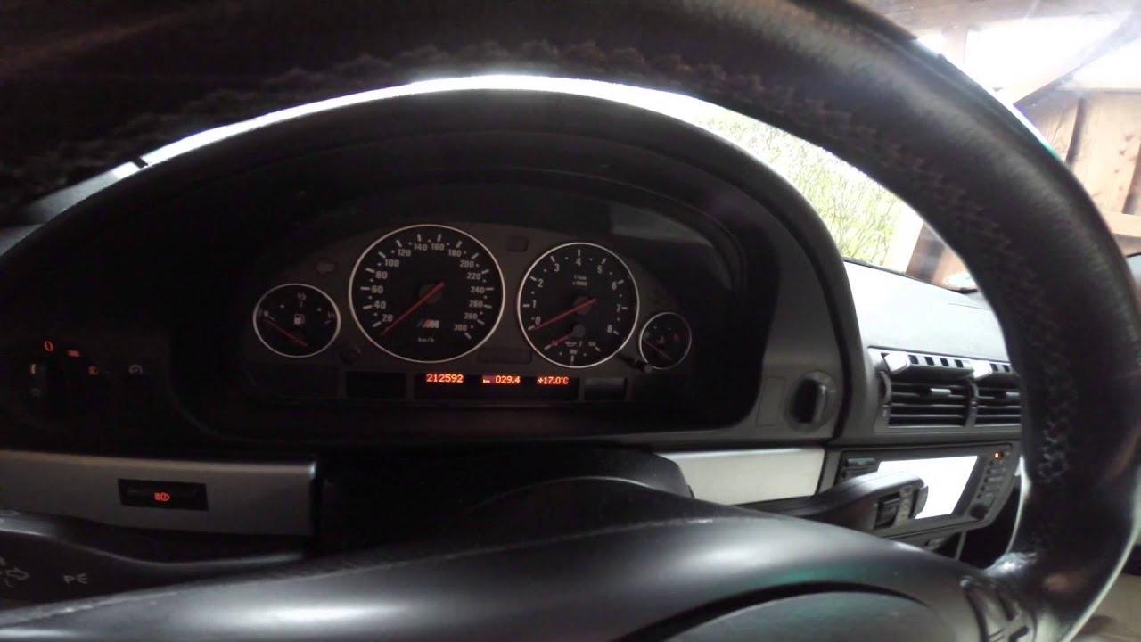 bmw 523 1999г сбиваются часы