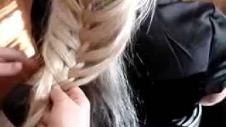 плетём-модные-косы.flv(еще видео на моем сайте http://www.nadejda1412.ru/master-class/pletenie-kosichek.html., 2012-02-23T15:46:18.000Z)