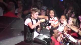 Download Justin Bieber - Out of Town Girl (Las Vegas) Mp3 and Videos