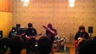 明海大学で行われた軽音楽部ARENAによるスタジオライブ。