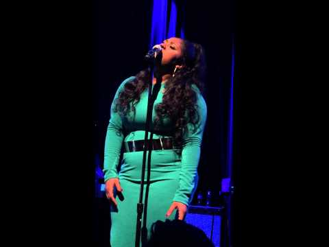 Jazmine Sullivan – In Love With Another Man (Live)