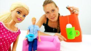 Барби делает открытку для Кена - Видео для девочек