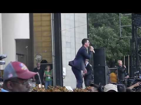 Blurred Lines - Robin Thicke at Taste of Chicago