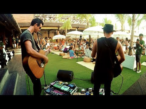 Phil Stoodley - Live @ The Lawn, Bali