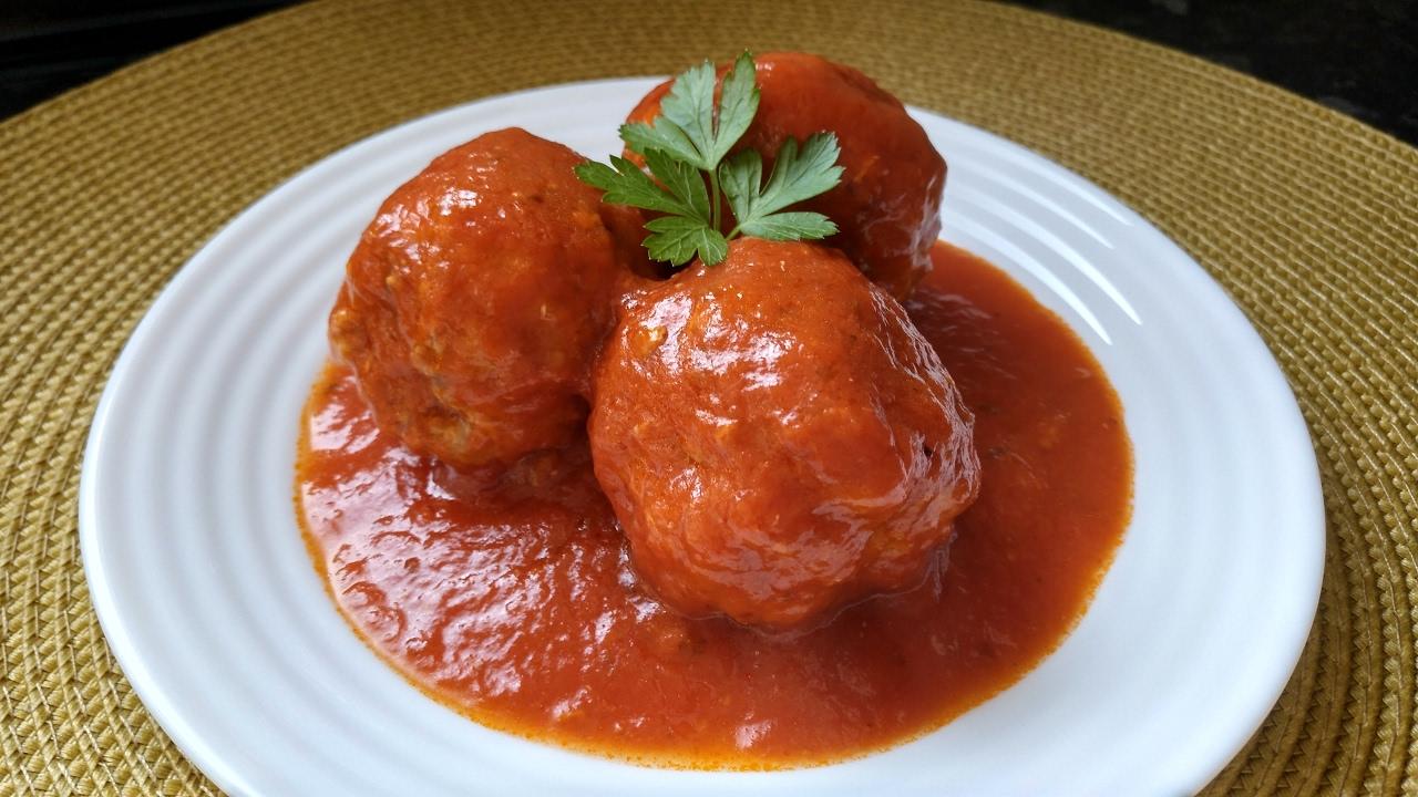 Receta albondigas con tomate sencilla