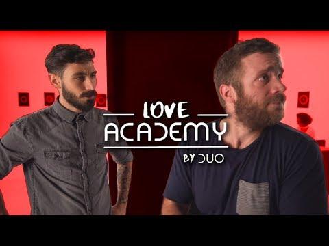 """Μπήκαμε από την """"Πίσω Πόρτα"""" στο Love Academy"""