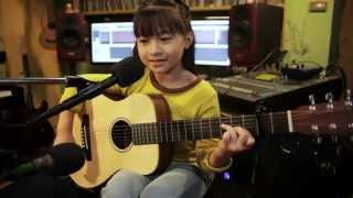 Back To December (Taylor Swift) Guitar Acoustic cover by Gail Sophicha 9 Years Old. น้องเกล