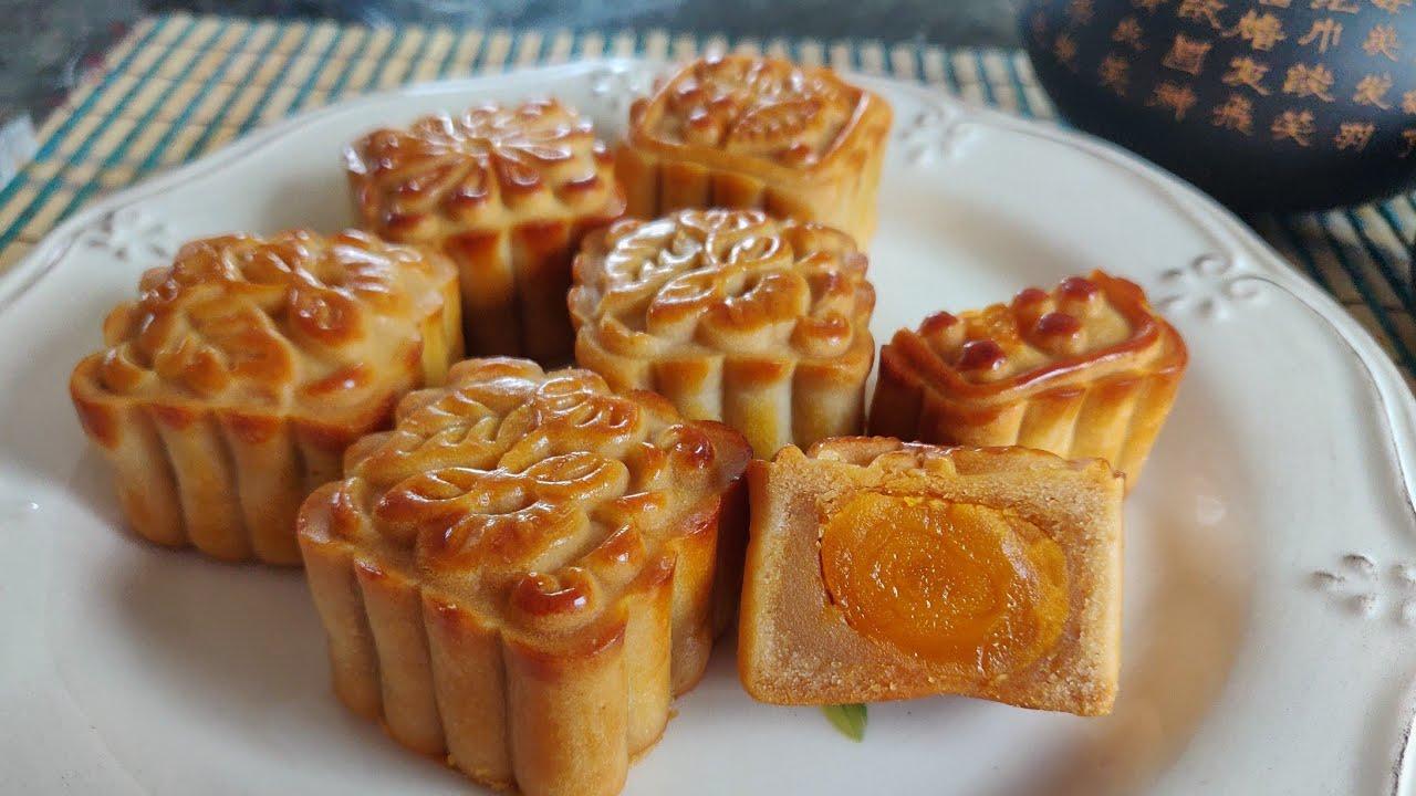 蛋黄月饼 经验分享 新手零失败 Mooncake with salted egg yolk and bean paste, step by step.