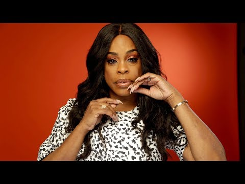 Niecy Nash s off her own expert 'Claws'