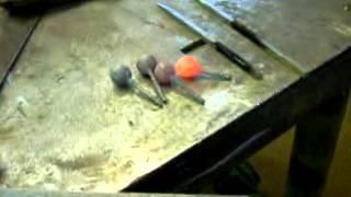 Изготовление шара в штампе.Ковка.(, 2014-02-04T21:29:43.000Z)