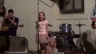 amazing 9 year old sings star spangled banner 1