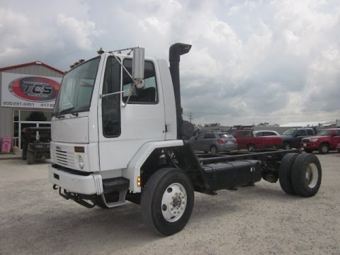 2001 Freightliner Cargo Cab & Chassis
