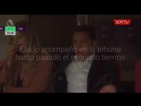 ¿Aburridos del partido?: Alexis Sánchez y Mayte Rodríguez miraron el debut del Arsenal en…