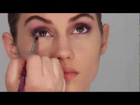 5 Minute Robert Jones Make Up Tutorial Video with a Splash of Color