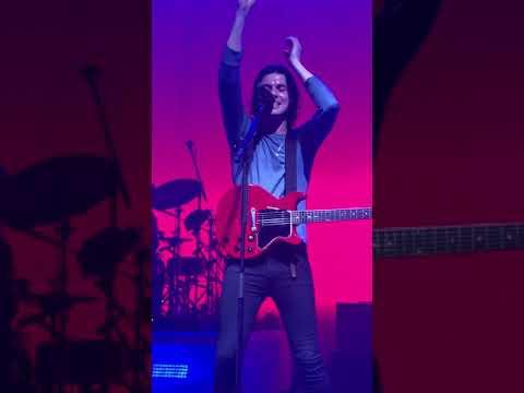 James Bay ~ Fade Out @The Riviera Theatre Chicago IL 3.19.19