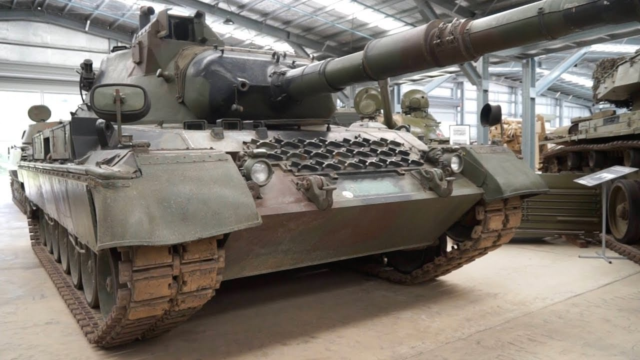 The Australian Armour & Artillery Museum - Cairns: Classic Restos Series 36