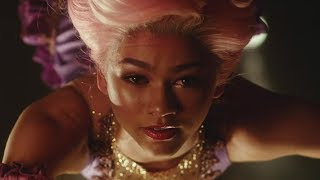 zendaya zac efron fall in love in first the greatest showman trailer