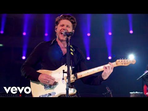 Смотреть клип Niall Horan - Small Talk