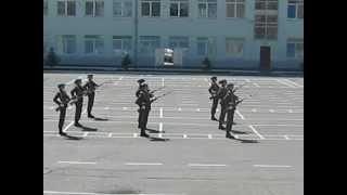 Фото Строевая подготовка девушек курсантов РВВДКУ