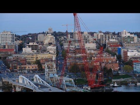 Victoria BC's old Johnson St. Bridge removal - Day 3