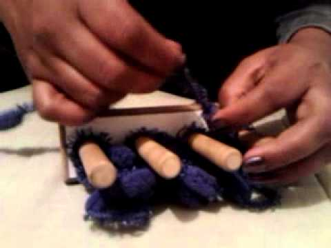 Cachecol no tear de dedo - YouTube 9c5b7fb9543