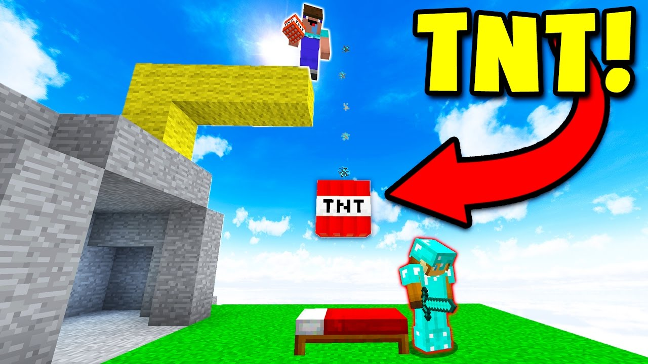 Dropping Tnt Troll Minecraft Bed Wars Youtube